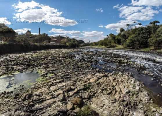 Rio Piracicaba registrou o menor nível do ano, com 86 centímetros, e voltou a assustar moradores a respeito da crise hídrica