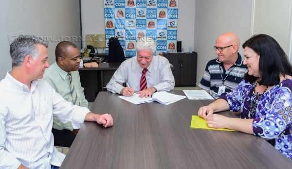 Assinatura do convênio foi feita na sexta-feira (20) na sede do Procon