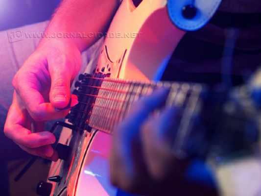 """Após atingir 100 mil plays com a EP """"Las Vegas"""", a banda Delunes participa de festival na cidade de São Paulo, que comemora o aniversário de 20 anos de carreira da banda CPM22"""