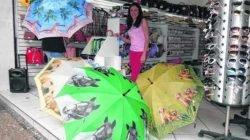 Atualmente, as sombrinhas decoradas com animais caíram no gosto de muitas mulheres