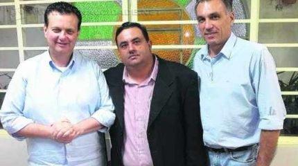 O presidente do PSD, Rogério Marchetti, ao lado do ministro Kassab e do presidente do PSD, Guilherme Campos