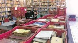 Livros, mais de 16 mil títulos, que vieram armazenados em 262 caixas e que foram doadas por João de Scantimburgo