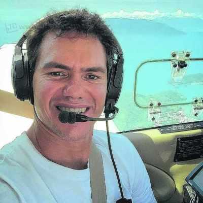 Aos 47 anos de idade, o rio-clarense é piloto desde 1999