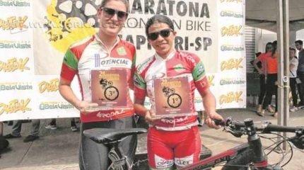 Danilas Ferreira durante a prova realizada em Capivari. No destaque, a atleta (à direita) com Maria Júlia Denipoti