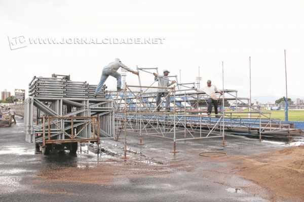 Neste ano, as tubulares, agora proibidas, foram colocadas no estádio Schmidtão