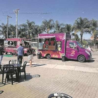 NOVIDADE - Tendência da gastronomia mundial, os food trucks estão conquistando cada vez mais espaço no mercado