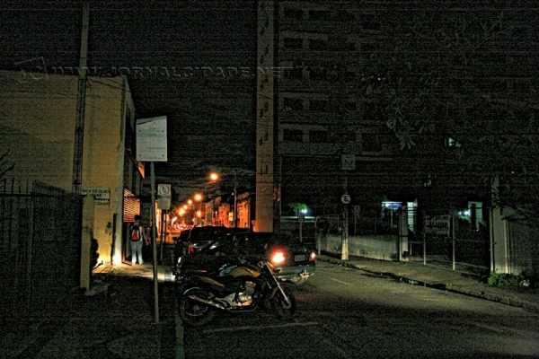 BREU - Área central da Cidade Azul ainda conta com diversos pontos de extrema escuridão