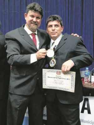 Taylor Lima esteve na Assembleia Legislativa do Estado de São Paulo no último dia 28 para receber diploma de Homenagem Esportiva 2015