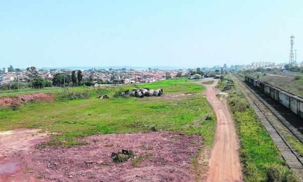 Área do Jardim Guanabara que vai receber a oficina ferroviária localizada na área central