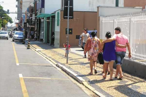 Sol forte predominou em Rio Claro nessa quinta-feira (15)