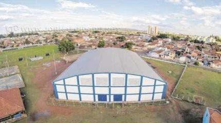 O ginásio foi construído com recursos oriundos do Governo Federal e da prefeitura e, no total, custou cerca de R$ 1,4 milhão