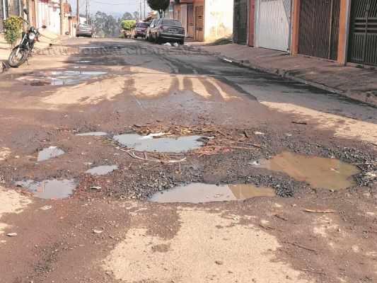 Leitor do JC encaminha foto mostrando a situação da Rua M-22-A, no bairro Jardim Progresso