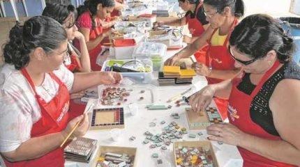 Mulheres de Santa Gertrudes participam do projeto criado pelo Sesi e que recebe apoio da Aspacer, prefeitura e empresas