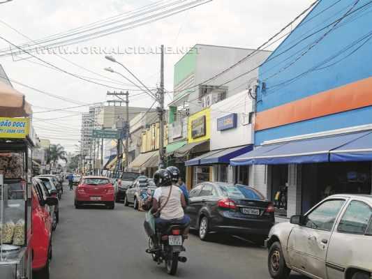 CALÇADÃO DA RUA TRÊS: fechamento da via aos sábados pela manhã foi cogitado pelo secretário municipal José Maria