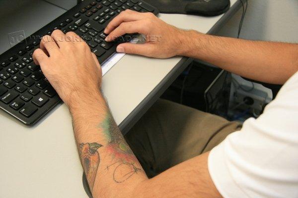Mesmo com mudanças visíveis, ainda existem empresas preocupadas com funcionários que possuam tatuagem pelo corpo