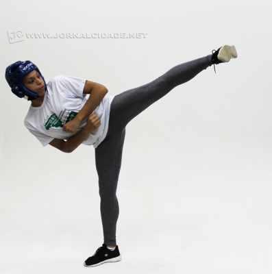 Natural de São Paulo, Talita vive há sete anos em Rio Claro e faz parte da equipe Carmen Carolina Pro Team de Taekwondo