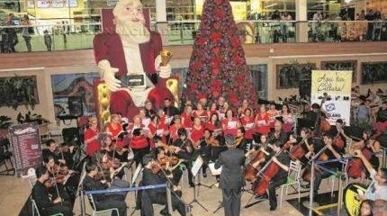 Cantatas acontecem até o dia 23 de dezembro, em dias intercalados na praça de alimentação