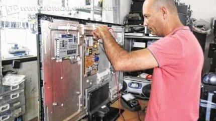 Dia do Técnico em Eletrônica é comemorado nesta quinta-feira (5). Fábio Luís Castaldi fala sobre a profissão que herdou do pai