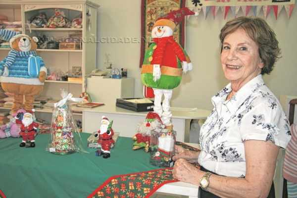 Toalhas para mesa, itens para decoração e presentes estão disponíveis no bazar da Rede