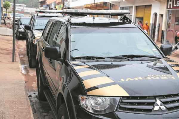 As viaturas da Polícia Federal estiveram em Santa Gertrudes na terça-feira, dia 24 de novembro