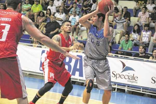 Rio Claro Basquete tem como meta ficar entre os 12 primeiros para a disputa do playoff