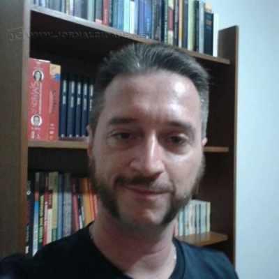 O autor Demétrio Alexandre