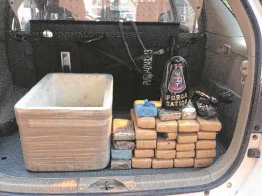 Policiais militares encontraram 23 quilos de maconha em uma casa do Jardim Progresso