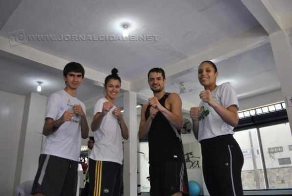 Os taekwondistas Guilherme, Talisca, Peter e Talita, em treino da equipe, em Rio Claro