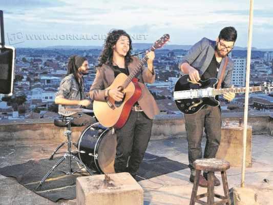 Banda Voltare fará apresentação no festival; bandas abriram mão do cachê pela causa