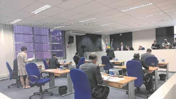 As duas primeiras sessões de 2016, assim como em 2015, foram para aprovar subvenções sociais a entidades da cidade