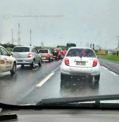 Trânsito lento na Fausto Santomauro foi registrado por leitor do JC
