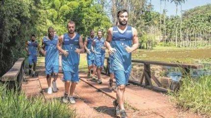 Time faz treino físico no antigo Horto Florestal para espairecer, mas sem perder o foco do NBB