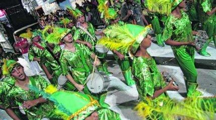 """Com enredo baseado na """"fé"""", o """"Império do Samba"""" coloca na Avenida cerca de 400 integrantes, em seis alas, bateria e carro"""
