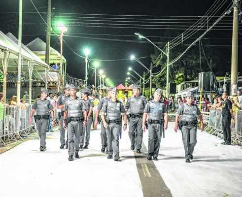 Polícia Militar e Guarda Civil farão a segurança no entorno da Passarela do Samba. Viaturas das corporações estarão alocadas estrategicamente para garantir a integridade dos foliões