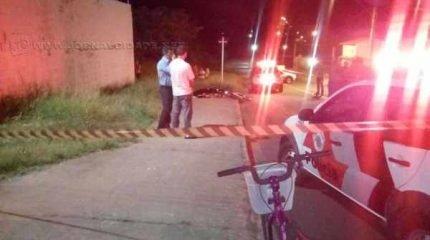 Advogado foi baleado na cabeça enquanto andava de bicicleta na Avenida dos Estudantes na noite desta quarta-feira (10)