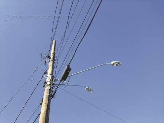 Segundo a gerente de segurança e meio ambiente da Elektro, Karine Torres, a maioria dos acidentes ocorre devido ao toque acidental de algum objeto na rede elétrica