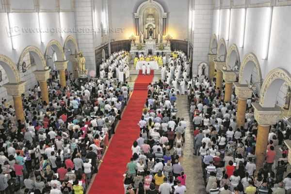 Com uma programação especial para a Semana Santa, as paróquias de Rio Claro recebem seus fiéis para refletir sobre a morte e celebrar a ressurreição de Cristo