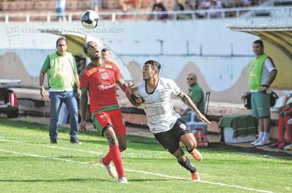 Contra o Rio Branco, Luís dos Reis avaliou o time de maneira positiva, principalmente no segundo tempo, quando empatou o jogo (Foto: Sanderson Barbarini/Foco no Esporte)
