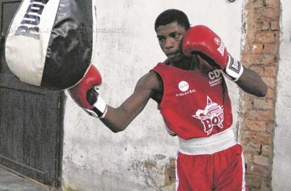 Rafael Bombonatti, de 15 anos, disputa a final neste sábado, na categoria Cadete 75 quilos