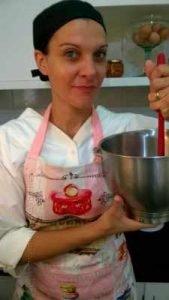 A francesa Sophie Lironcourt Murari é quem prepara os doces da empresa