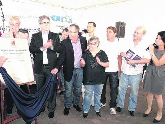 Na foto de arquivo, o prefeito Du Altimari (PMDB), o vereador Agnelo Matos (PT) e a secretária Zezé Stivalli, agora no PMB