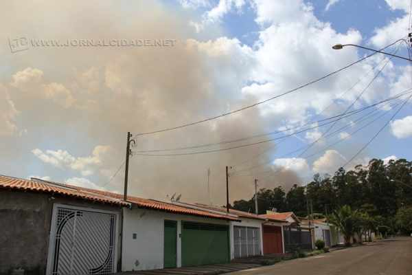Mais de 5h de trabalho para controlar incêndio na Feena nessa sexta (22)