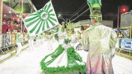 Unidos da Vila Alemã desfilou em 2016 falando sobre o milagre da terra e levou para casa o troféu de terceiro lugar do carnaval