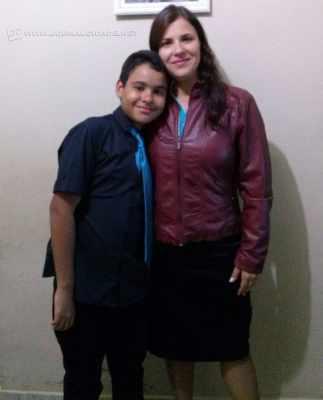 Alessandra Santos e o filho Gabriel