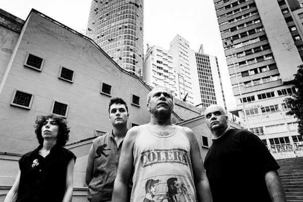 O Cólera é formado atualmente por Val (baixo), Pierre (bateria), Fábio (guitarra) e Wendell (vocal)
