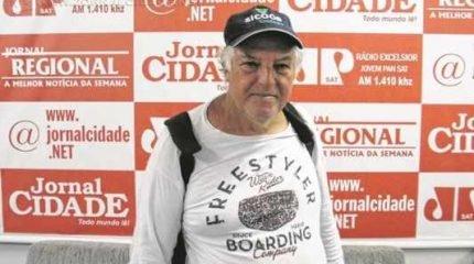 Seu Antonio em passagem por RC. Ele sai da Cidade Azul ao meio-dia desta quinta e está hospedado num hotel na Estação