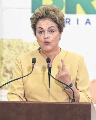 Pesquisa realizada pela Limite e contratada pelo Jornal Cidade aponta que a maioria dos rio-clarenses é favorável ao impedimento da presidente (Foto: José Cruz/Agência Brasil)