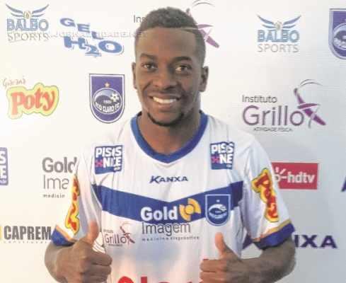 Aos 29 anos, Hudson Fernando estava no CSA, de Alagoas, e chega visando à continuidade no clube