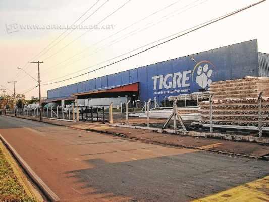 A empresa Tigre, uma das principais multinacionais do país, em sua unidade em Rio Claro também foi atingida pela crise econômica