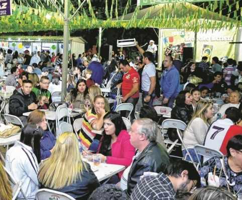 Tradicionais quermesses acontecem em diversas paróquias da cidade a partir deste final de semana, com comidas e bebidas típicas